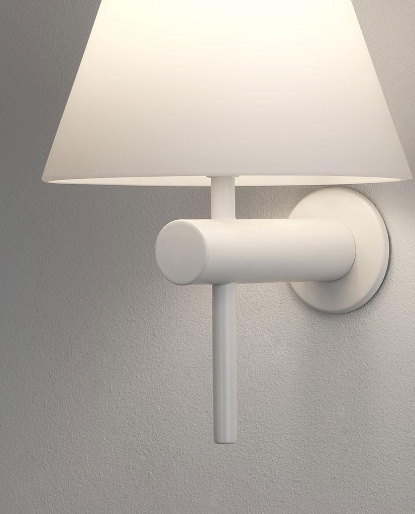 Astro Roma Vegglampe Matt Sort | Designbelysning.no