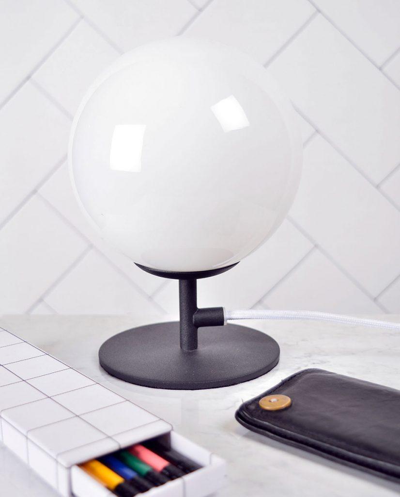 Globen lighting luna sort bordlampe - Globen lighting ...